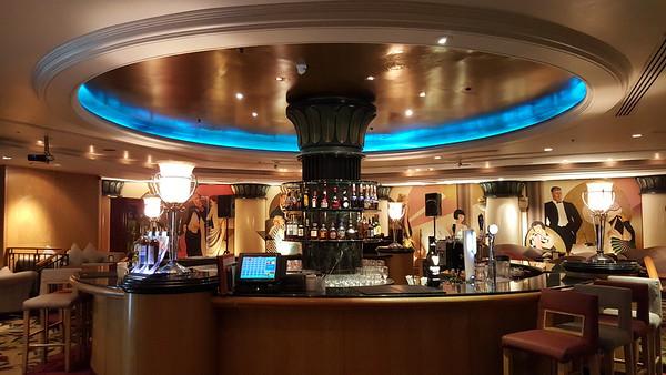 Intermezzo Bar, Level 1