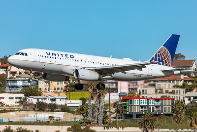 United Airlines Airbus A320-232 N465UA 1-31-20