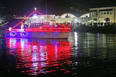 SAN RAFAEL LIGHTED BOAT PARADE 0131
