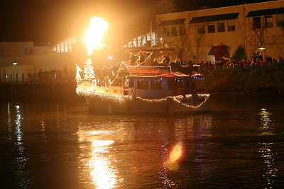 SAN RAFAEL LIGHTED BOAT PARADE 0076