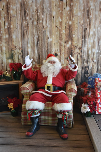 Roof Right Santa Pictures 2017