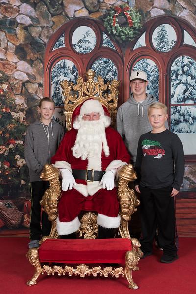 Santa 12-8-17-592