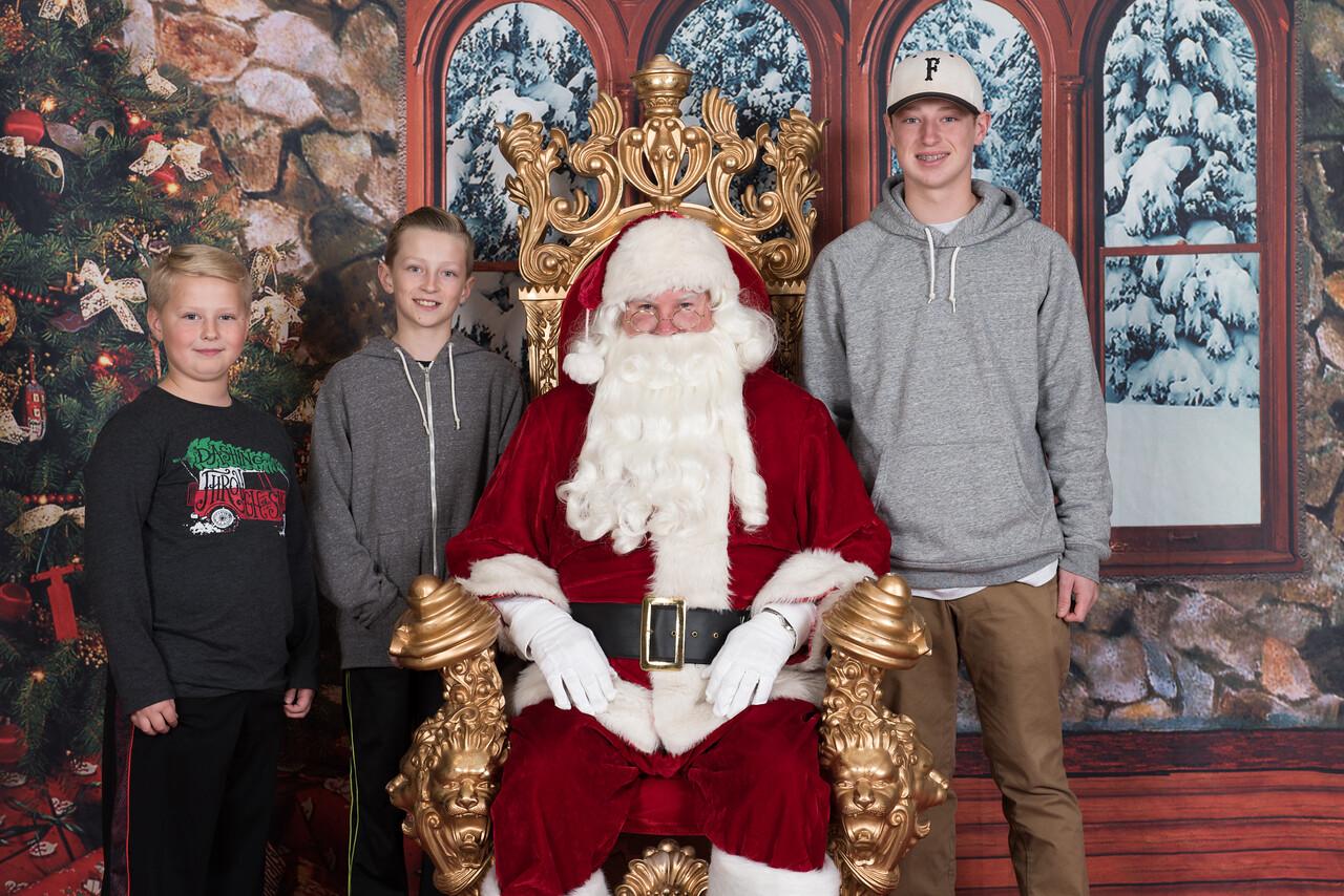 Santa 12-8-17-589