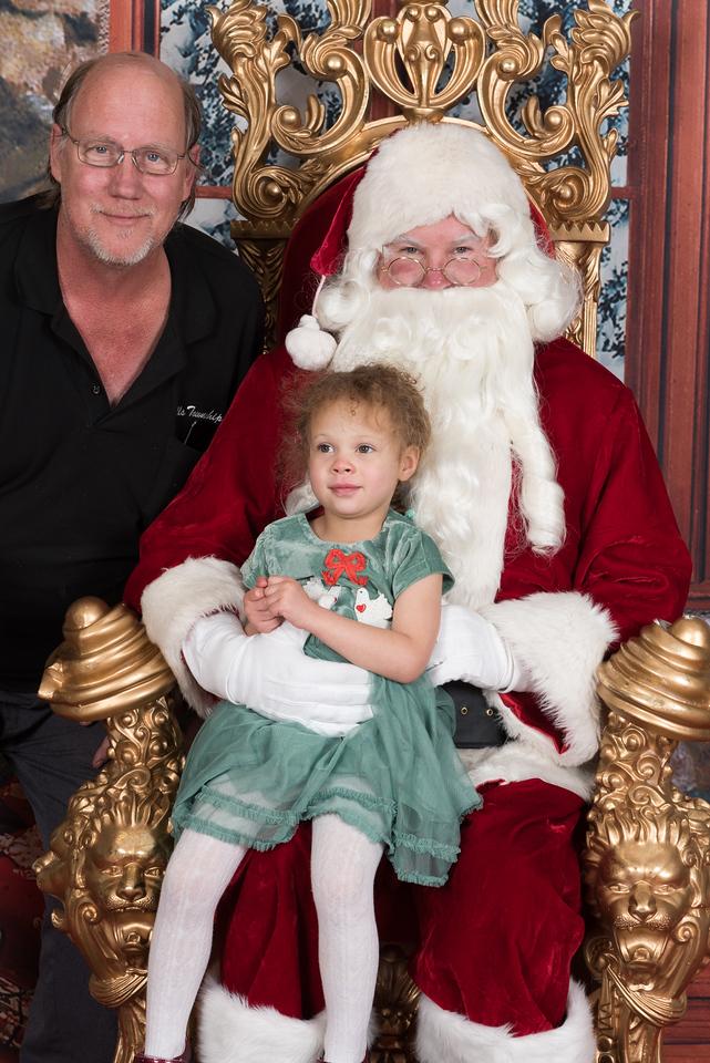 Santa 12-8-17-945-2
