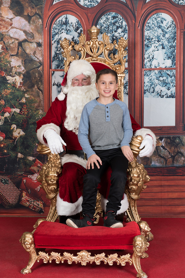 Santa 12-8-17-1042