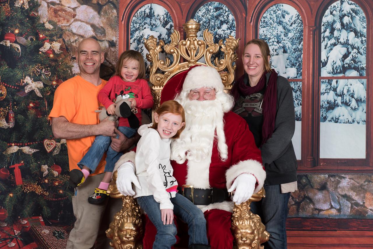 Santa 12-8-17-579