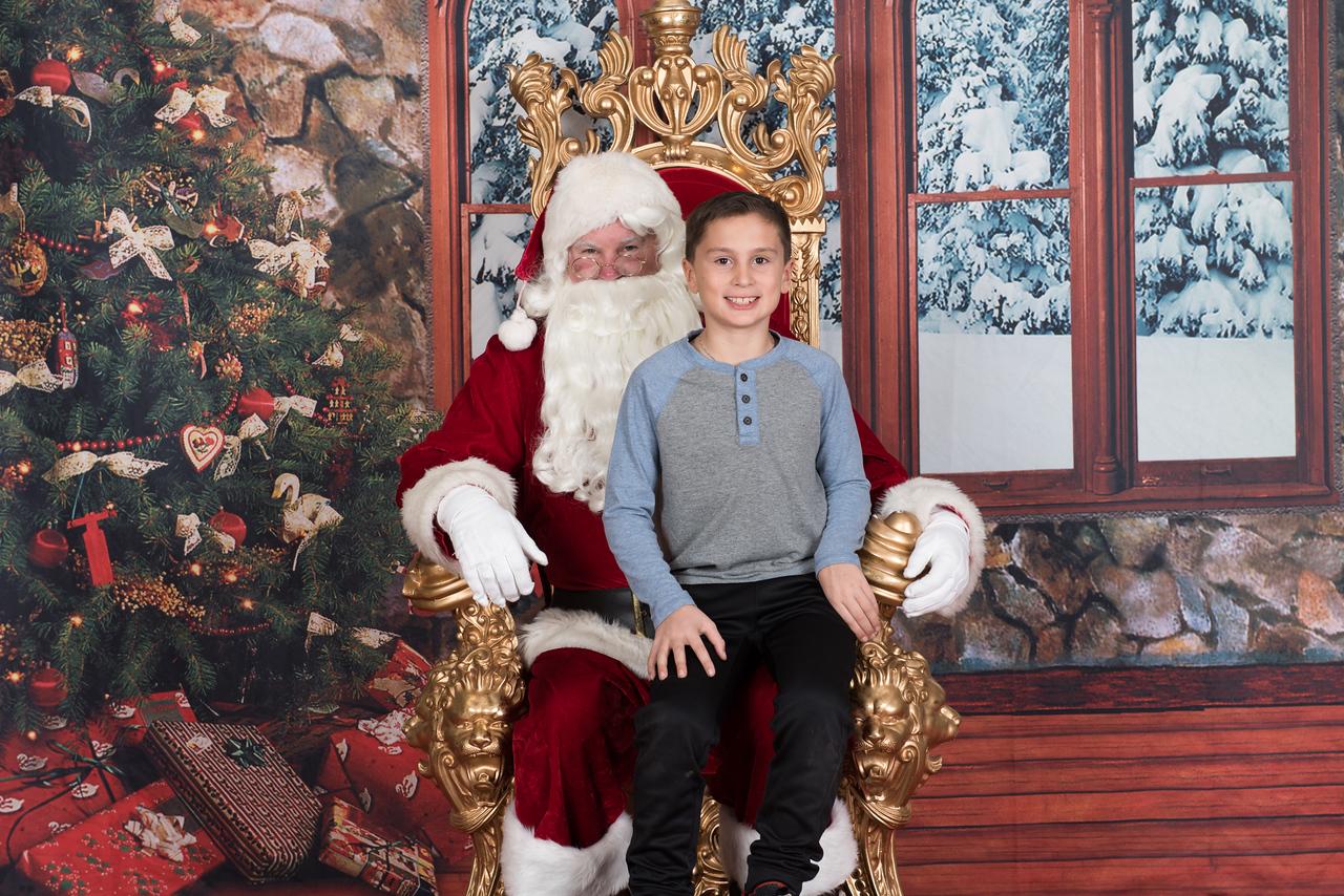 Santa 12-8-17-1043