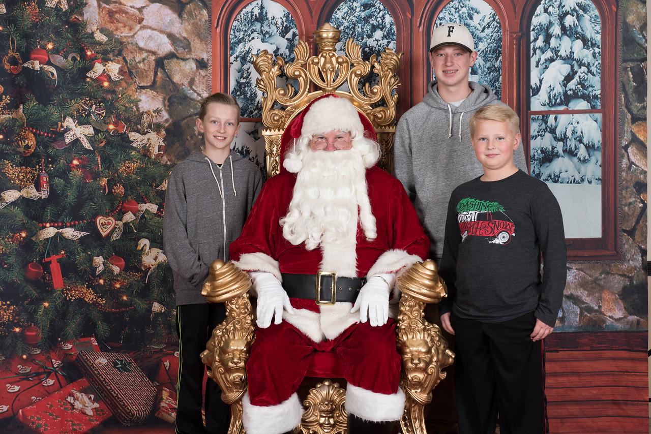 Santa 12-8-17-594