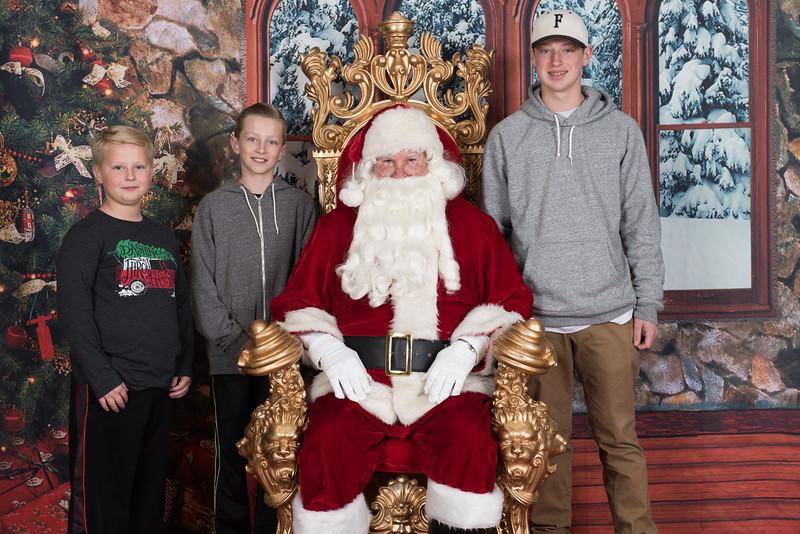 Santa 12-8-17-590