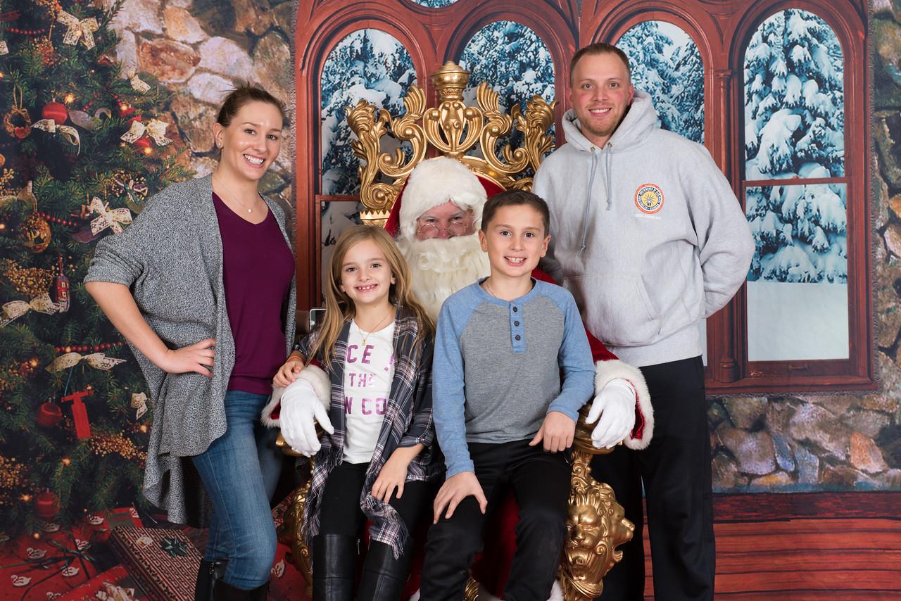 Santa 12-8-17-1044