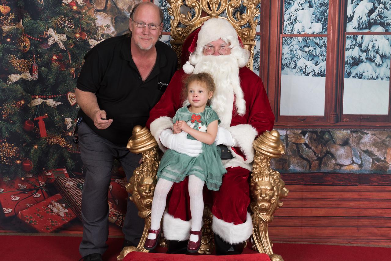 Santa 12-8-17-945