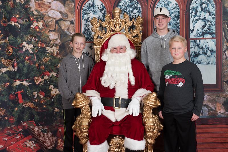 Santa 12-8-17-596