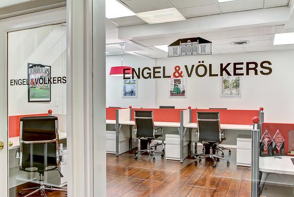 Engel & Volkers Office Shoot Web Size
