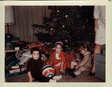 Andy, Lisa, Margaret, Mom Christmas 1967