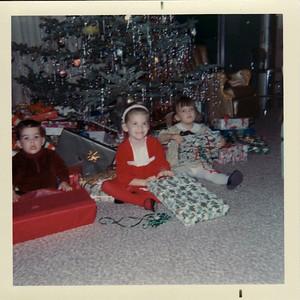 Andy, Lisa, Margaret Christmas 1967