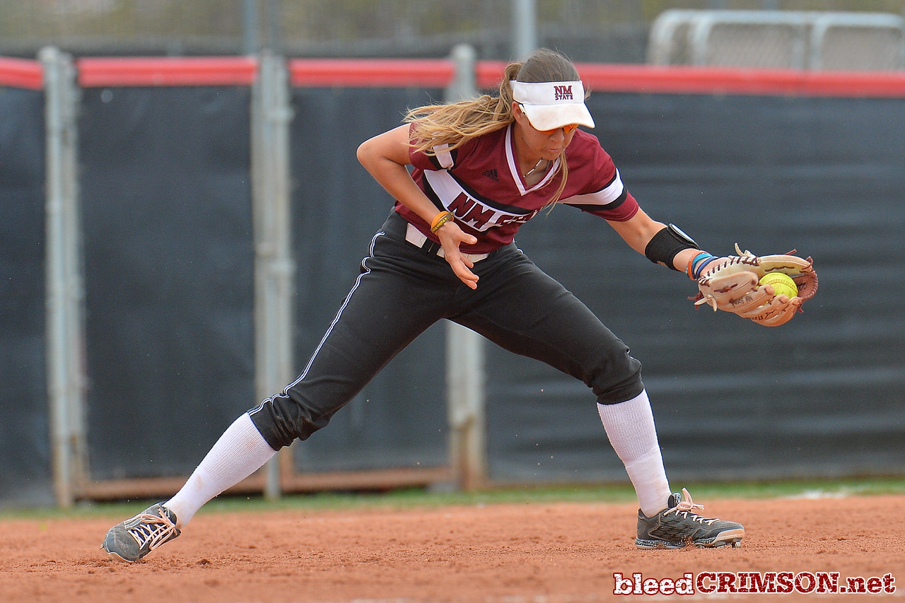March 6, 2016: NM State third baseman Emma Adams fields a ground ball in a game between New Mexico State and No. 7 Oregon at the 2016 Alexis Park Resort Classic at Eller Media Stadium in Las Vegas, Nevada. The Aggies lost to the Ducks 8-0 via run rule.