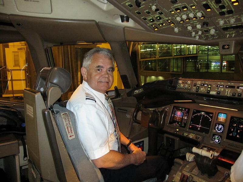 American Airlines 777 cpn. David W. Hunt