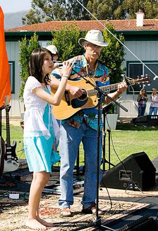 Songfest_2007_Benyapa_Jim_1