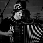 Antoine Bert : Accordéon, percussions