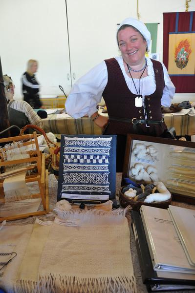 Livia de Ragusa and her weaving/history of cotton display