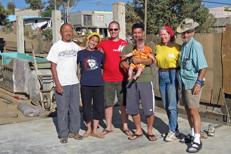 09 Mexico Team: Dale Wu, Cristen Wu & Jon Rasmussen, B.J. Wu holding Pebble Ann Rasmussen, Laurel & Pablo Gassner