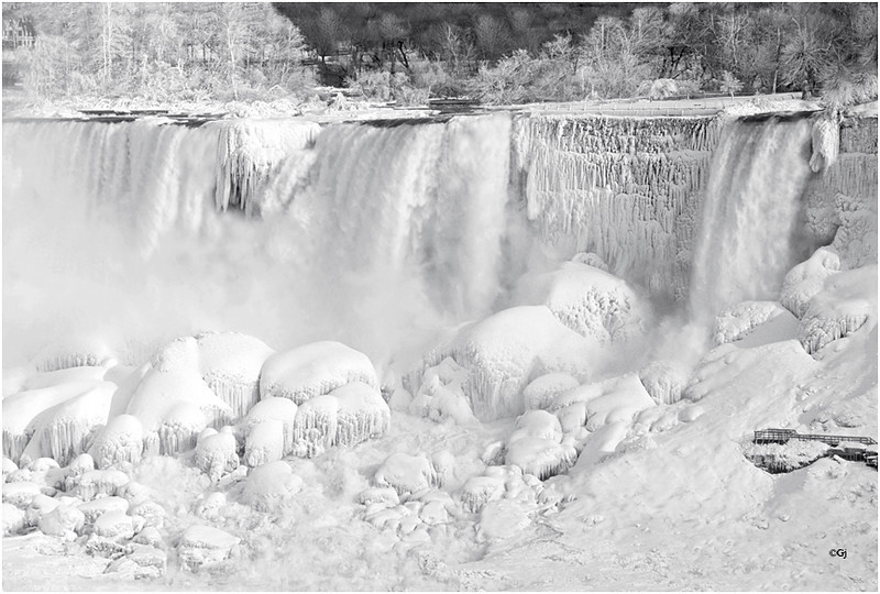 "Print title:  ""  NIAGARA ON ICE ""  /  © Gj"
