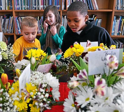 Overlook Elementary holds Junior Flower Show