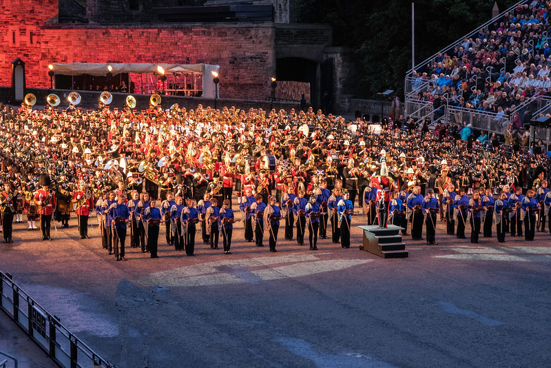 Edinburgh Tattoo  Massed UK Bands with Highland Fiddlers