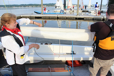 SCOW : New sail rolling technique