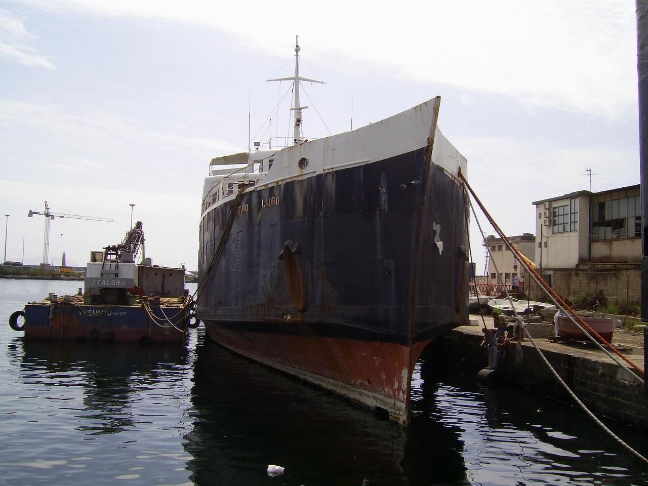 F/B AGOSTINO LAURO waiting scrap in Napoli.