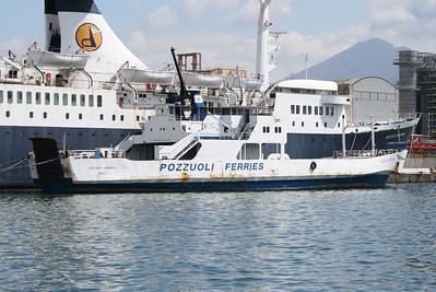 F/B ANTONIO AMABILE laid up in Napoli next to DONATELLA D'ABUNDO, waiting last trip to Aliaga (Turkey) for scrapping.