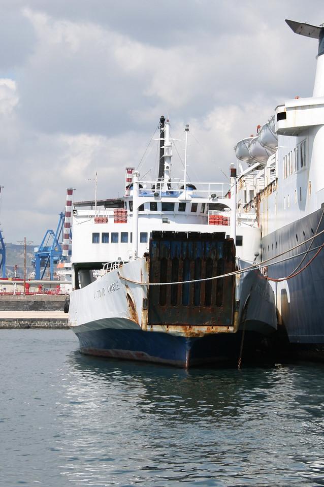 F/B ANTONIO AMABILE laid up in Napoli next to DONATELLA D'ABUNDO, waiting last trip to Aliaga (Turkey) for scrapping.