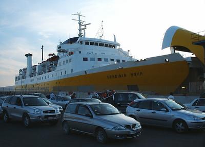 2004 - F/B SARDINIA NOVA embarking in Golfo Aranci.