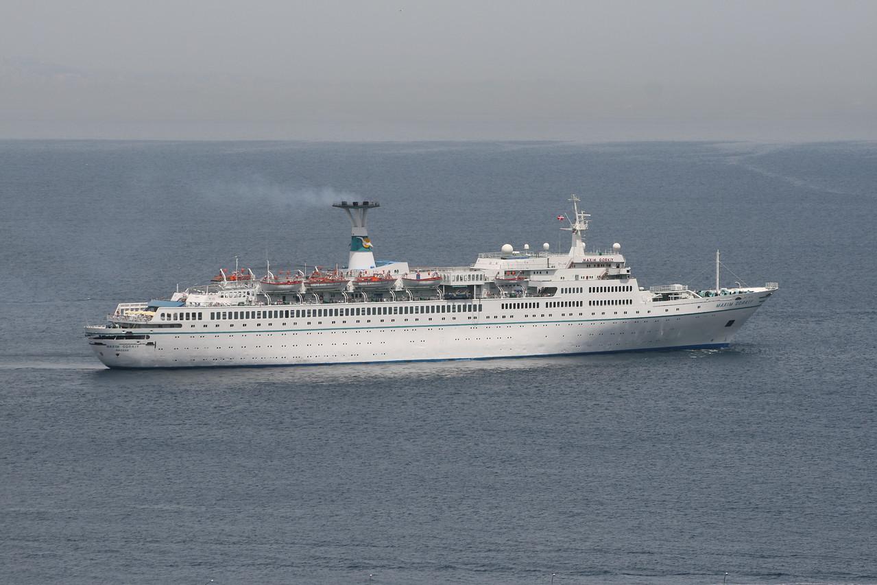 2008 - T/S MAXIM GORKIY offshore Capri.