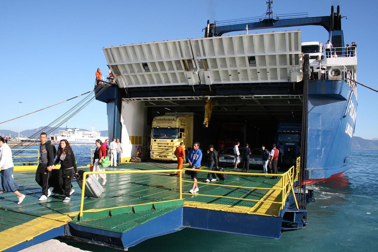 2010 - F/B POLARIS disembarking in Corfu.