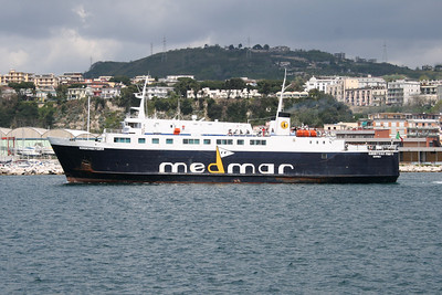 REDENTORE PRIMO departing from Pozzuoli to Ischia.