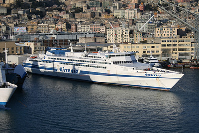 2009 - HSC TAURUS laid up in Genova.
