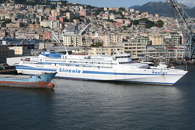 2010 - HSC TAURUS laid up in Genova.