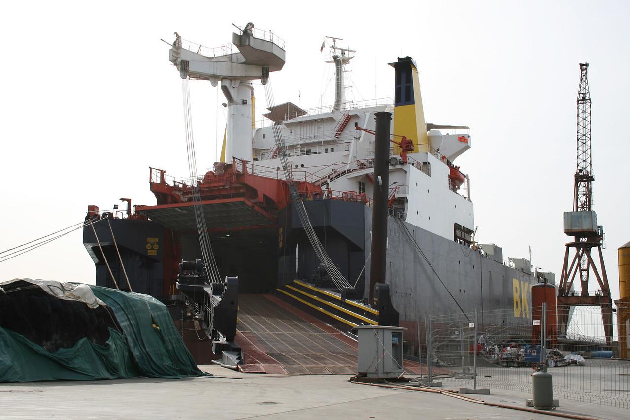 2008 - M/S TRAKYA in shipyard at Napoli.