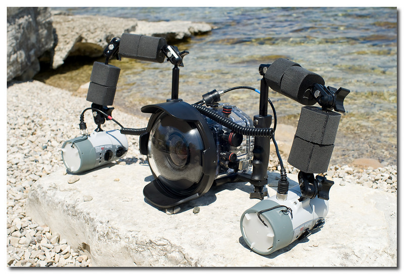 Sony A700 with Sony 11-18 F4.5-5.6 in Ikelite underwater housing with dual strobes.