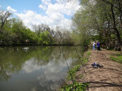 May 2nd, 2015 - Scenery - Carping at Darby Creek (GALLERY THUMBNAIL)