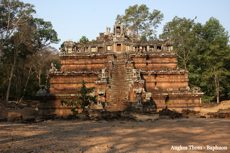 Angkor Thom, Baphuon Angkor Thom, a short distance from Angkor Wat Temple, was the last capital of the Khmer Empire, was a fortified cit enclosing residences of priest, officials of the palace and military, as well as buildings for administering the kingdom. Feb 200