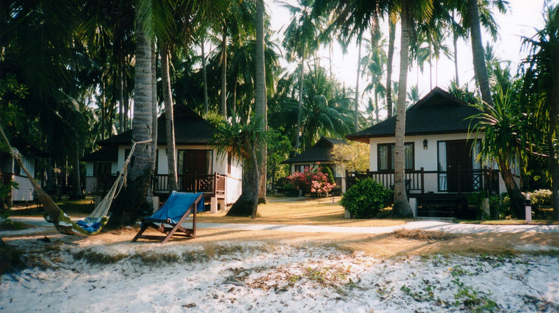 out island destination for complete quite, Le Meridien Phuket Beach Resort, Patong Beach, 1998