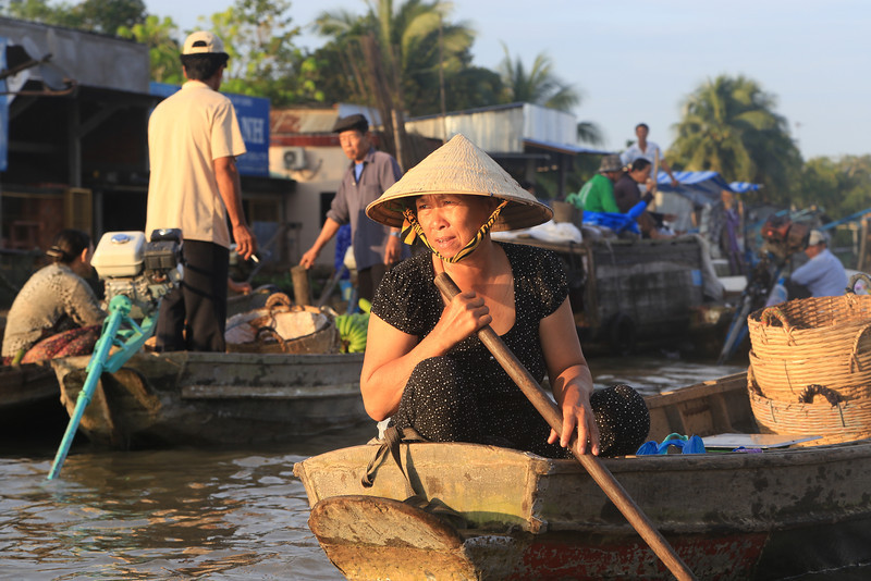 Phong Dien Floating  Market Nov 2013