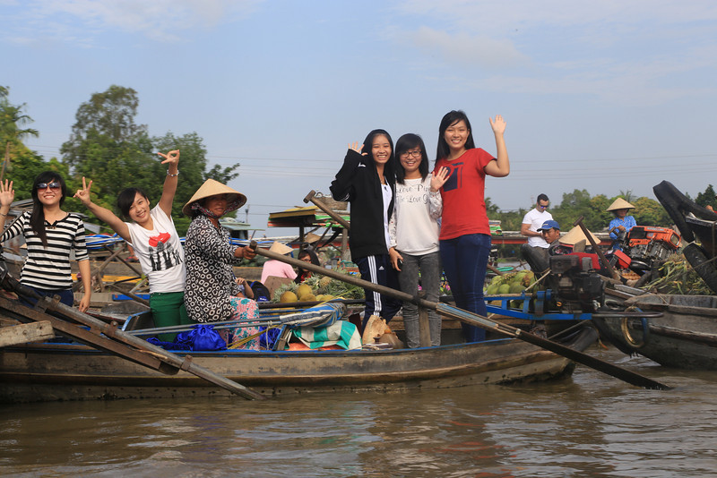 having fun, Phong Dien Floating  Market Nov 2013