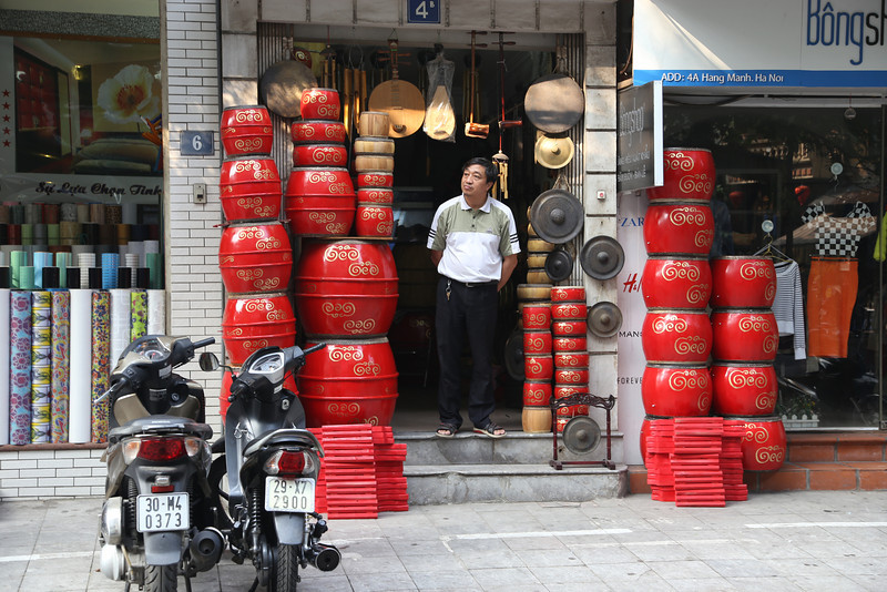 HaNoi looking for customers Nov 2013