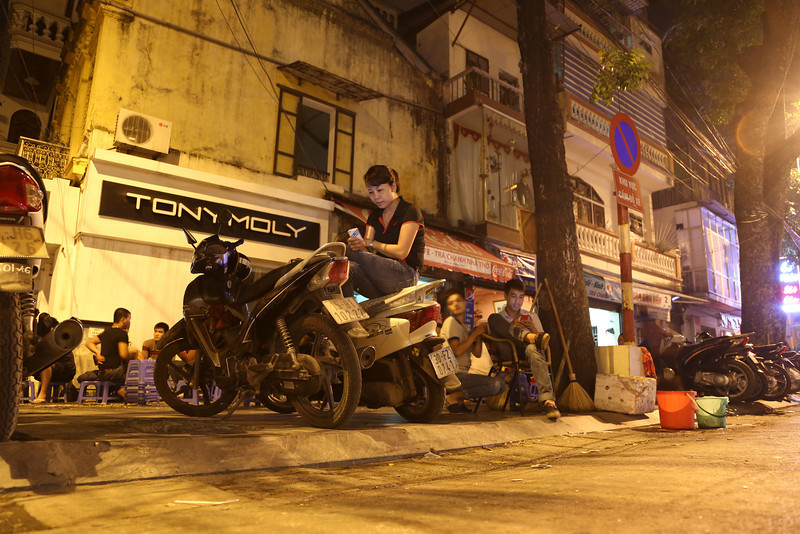 HaNoi night street scenes Nov 2013