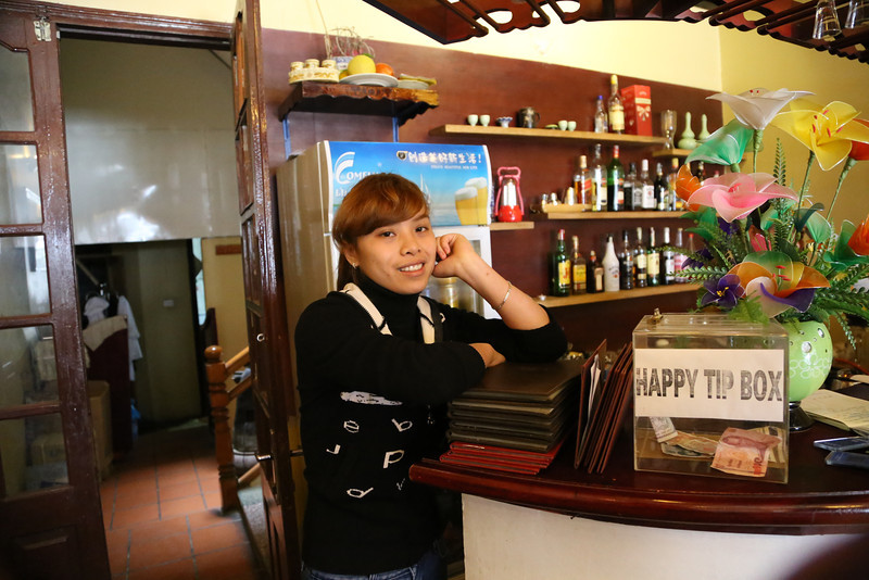 lovely reception staff, Elysian Hotel SaPa Nov 2013