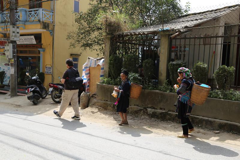 Hmong ladies in tow, SaPa Nov 2013