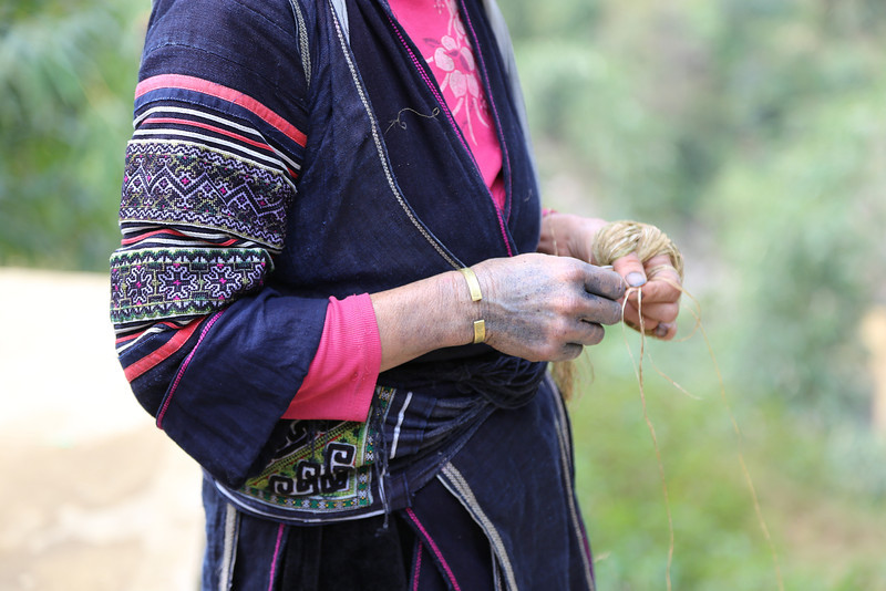 Indigo dye in her hands, Nov 2013